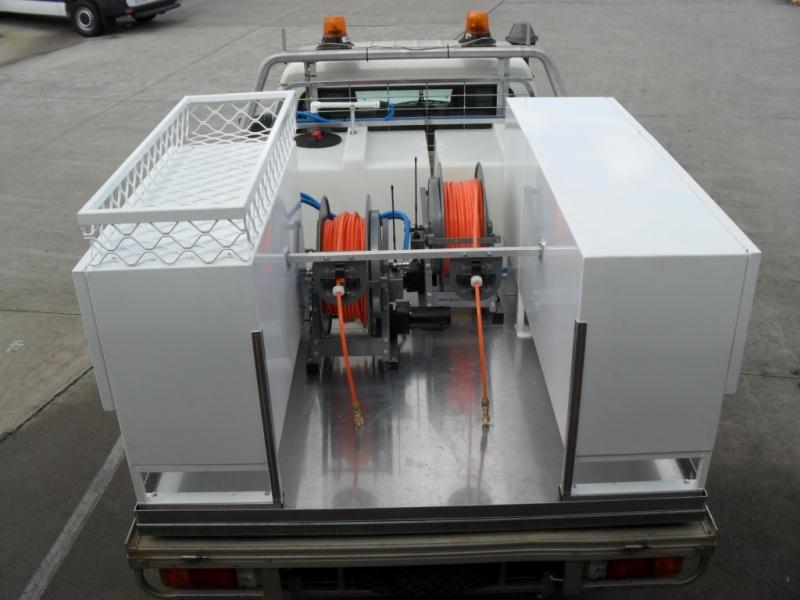 vehicle spray unit