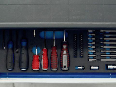Vehicle inserted toolbox
